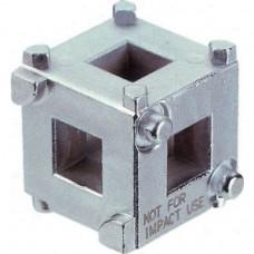 Приспособление-куб для вкручивания поршней задних тормозных цилиндров